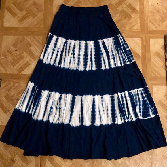 Tryst Dresses & Skirts - NWOT: Blue & White Tye-Dye Flowing Maxi Skirt- M